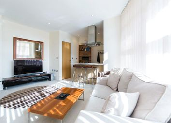 Thumbnail 1 bed flat to rent in Commodore House, Battersea Reach