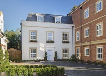 Thumbnail 4 bed town house for sale in Bolingbroke Close, Hadley Wood, Hertfordshire