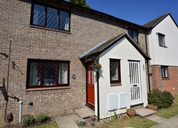 Thumbnail 2 bedroom flat for sale in Kings Chase, East Molesey
