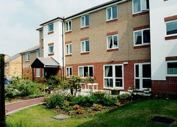 Thumbnail 2 bed flat for sale in Kennett Court, Swanley