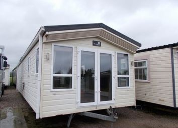 2 bed mobile/park home for sale in Pensarn, Pensarn LL22
