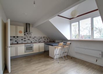 Thumbnail 1 bed flat to rent in Knighton Road, Leicester
