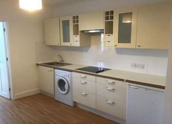 Thumbnail 1 bed flat to rent in The Avenue, Egham