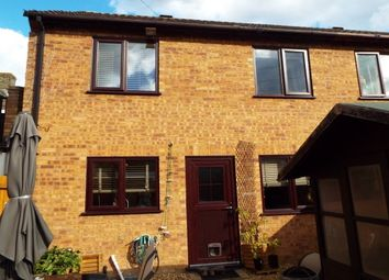 Thumbnail 2 bed cottage to rent in High Street, Earith, Huntingdon