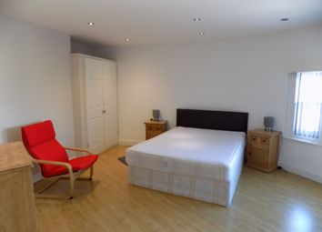 2 bed shared accommodation to rent in Glossop Road, Sheffield S10