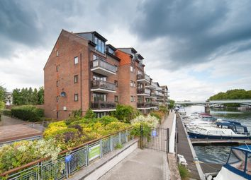 Thumbnail 1 bed flat to rent in Hampton Wick, Becketts Place