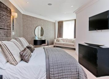 Thumbnail 2 bed flat to rent in West Heath Place, Golders Green