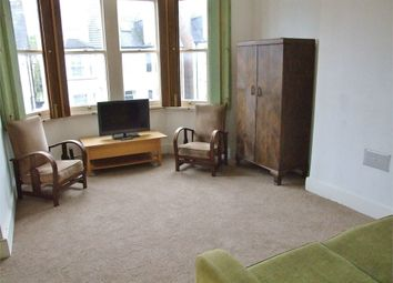 Thumbnail 1 bedroom flat to rent in Holmesdale Road, London