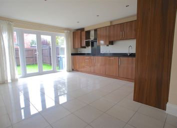 Thumbnail 3 bed town house to rent in Bridge Meadow, Lymm