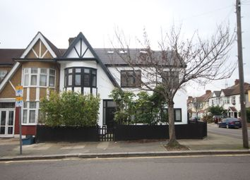 Thumbnail Room to rent in Avondale Crescent, Ilford