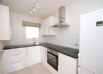 Thumbnail 1 bed flat to rent in Lampards Buildings, Bath