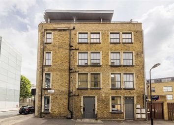 Thumbnail 2 bedroom flat for sale in Florfield Road, London