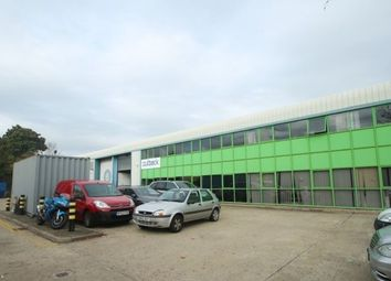 Warehouse to let in Kendal Avenue, Park Royal W3