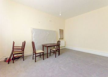 Thumbnail 2 bed flat to rent in Greenhill Parade, Barnet