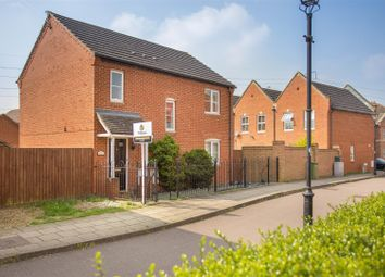 Thumbnail 3 bed property to rent in Kingsgate, Aylesbury