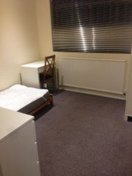 Room to rent in Homecroft Road, Wood Green, London N22