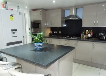 Thumbnail 6 bed property to rent in Ellesmere Road, London