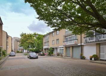 Thumbnail 4 bed property for sale in Chester Close North, London