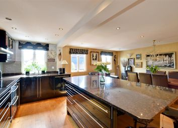 4 bed property for sale in Oast Court, Yalding, Maidstone, Kent ME18