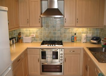 Thumbnail 2 bed flat to rent in Chaucer Way, Wimbledon