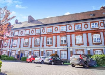 Thumbnail 3 bed flat for sale in Bennett Crescent, Oxford
