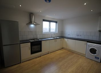 Thumbnail 3 bed flat to rent in Middle Street, Beeston, Nottingham
