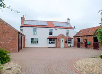Thumbnail 3 bed detached house for sale in Fillingham Road, Gainsborough
