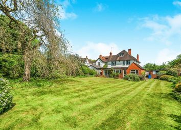 Thumbnail 5 bed detached house to rent in Braywick Road, Maidenhead