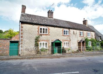 Thumbnail 4 bed cottage for sale in Faringdon Road, Shrivenham, Swindon
