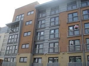 2 bed flat to rent in Barrland Court, Glasgow G41