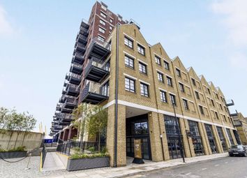 1 bed flat to rent in Orchard Place, London E14