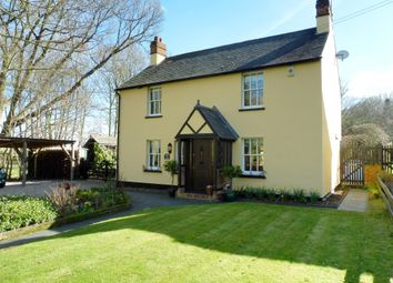 Thumbnail 4 bed cottage for sale in Laindon Common Road, Little Burstead, Billericay