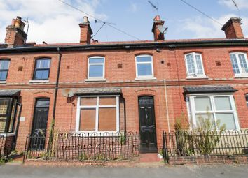 3 bed property to rent in Waldeck Street, Reading RG1
