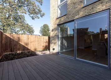 Thumbnail 3 bed flat to rent in 78, Kings Avenue, London