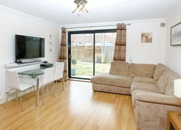 Thumbnail 2 bed flat for sale in Hatfield Road, St.Albans