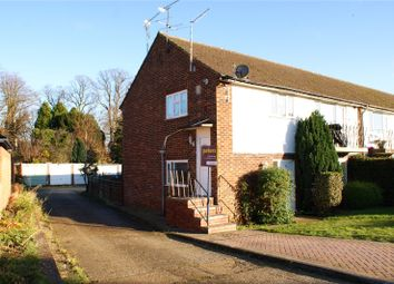 Thumbnail 2 bed maisonette to rent in Selsdon Avenue, Woodley, Reading, Berkshire