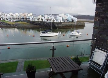 Thumbnail 2 bed flat to rent in Porthmadog