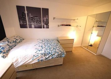 Thumbnail Room to rent in Holyrood Mews, London