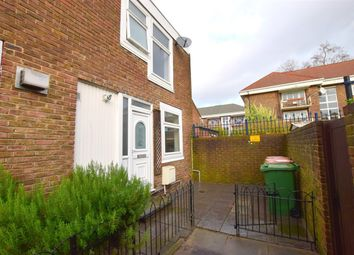 Thumbnail 4 bed property to rent in Eastbourne Road, Stratford