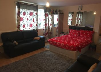Thumbnail 4 bed flat to rent in Uxbridge Road, Hayes