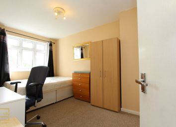 Thumbnail Room to rent in Pinefield Close, Westferry