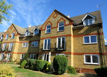 Thumbnail 2 bed flat for sale in Greenes Court, Lower Kings Road, Berkhamsted