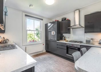 2 bed maisonette to rent in Cherry Orchard Road, Bromley BR2