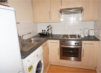 Thumbnail 2 bed flat to rent in Victoria Rd, Aldershot