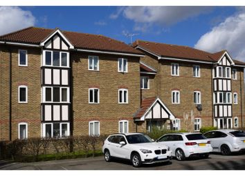 Thumbnail 2 bed flat for sale in Woodgate Drive, Streatham