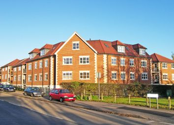 Thumbnail 2 bed flat to rent in Valley Hill, Loughton