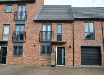 Thumbnail 2 bed town house for sale in Siskin Way, Allerton Bywater, Castleford