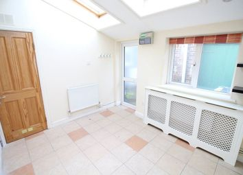 Thumbnail 1 bed bungalow to rent in Wellington Street, Luton