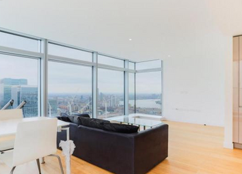 2 bed flat to rent in South Quay, Canary Wharf, London E14