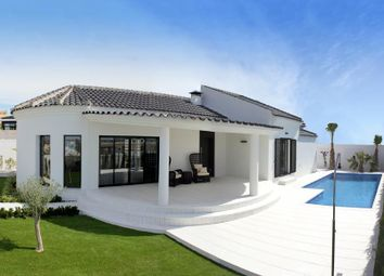 Thumbnail 3 bed villa for sale in La Marina, Guardamar Del Segura, Spain